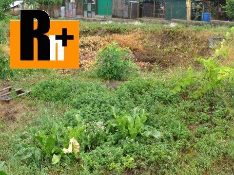 Foto Pozemok pre bývanie Partizánske chatu, záhradku na predaj - 915m2