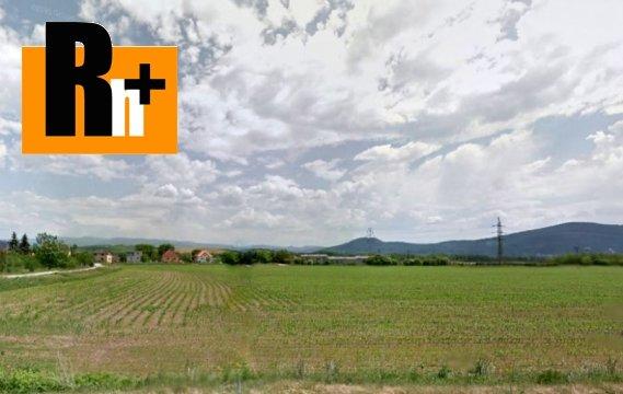 Foto Na predaj pozemok pre bývanie Partizánske Návojovce 500 m2 a viac -