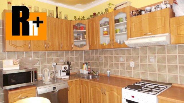Foto Na predaj Bratislava-Petržalka Haanova 4 izbový byt - rezervované