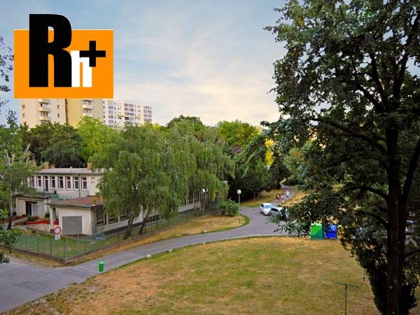 Foto Na predaj 2 izbový byt Bratislava-Ružinov po kompletnej rekonštrukcii vrátane vybavenia a spotrebičo