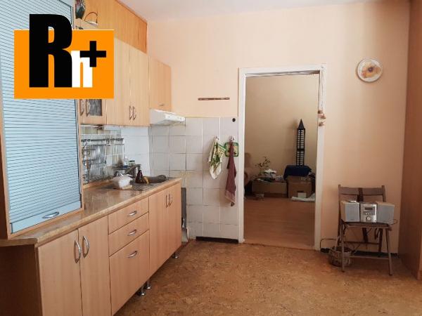 Foto Na predaj 3 izbový byt Trnava Vladimíra Clementisa - čiastočne prerobený