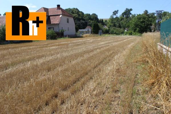 Foto Pozemok pre bývanie na predaj Skalka nad Váhom stred obce -