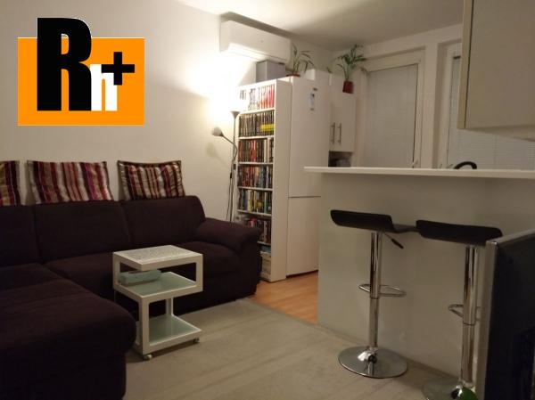 Foto Na predaj Bratislava-Dúbravka Ľuda Zúbka 1 izbový byt - TOP ponuka
