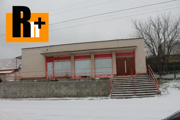 Foto Moravské Lieskové stred obce obchodné centrum na predaj -