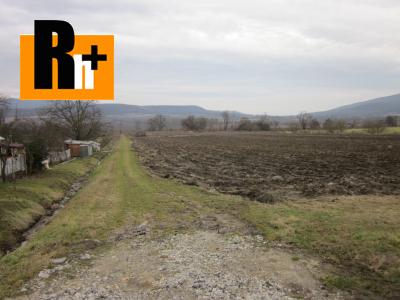 Pozemok pre bývanie na predaj Olšovany .