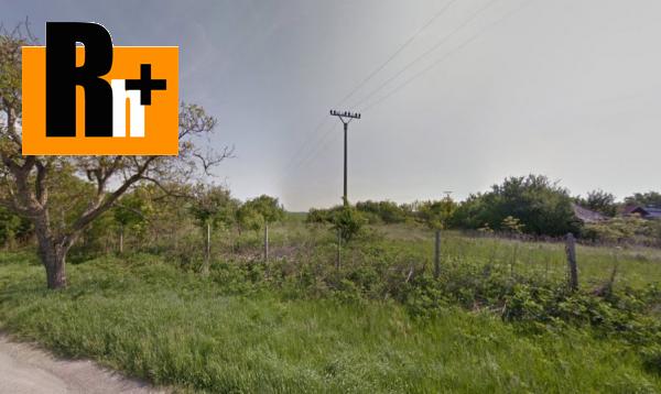 Foto Hrubý Šúr Hlavná pozemok pre bývanie na predaj - TOP ponuka