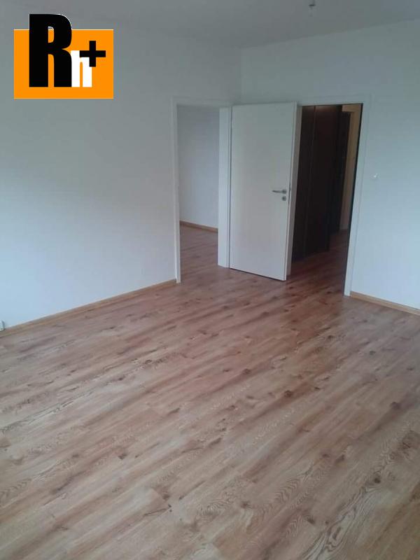 Foto Pezinok Svätoplukova na predaj 3 izbový byt - rezervované