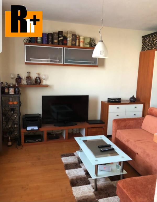 Foto Na predaj 1 izbový byt Bratislava-Ružinov Rezedová - zrekonštruovaný