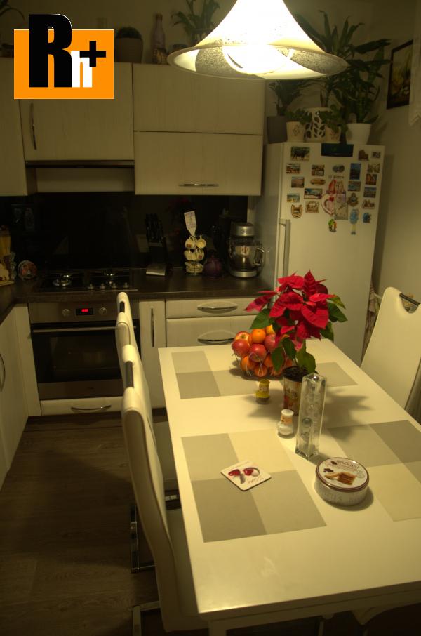 Foto Na predaj 3 izbový byt Trebišov . - zrekonštruovaný