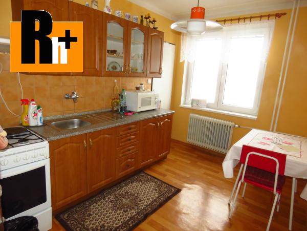Foto Na predaj 3 izbový byt Liptovský Peter okraj obce - tehlová stavba