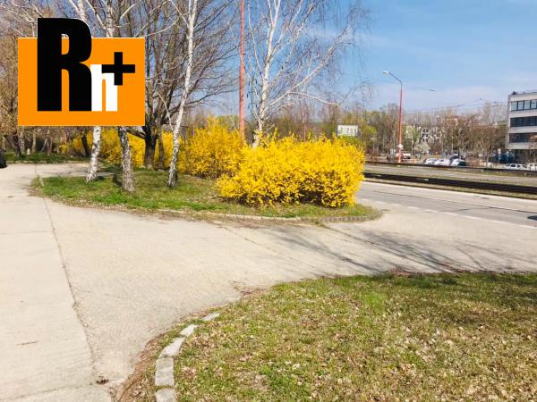 2. obrázok Na predaj Bratislava-Dúbravka Karloveská pozemok pre komerčnú výstavbu - TOP ponuka