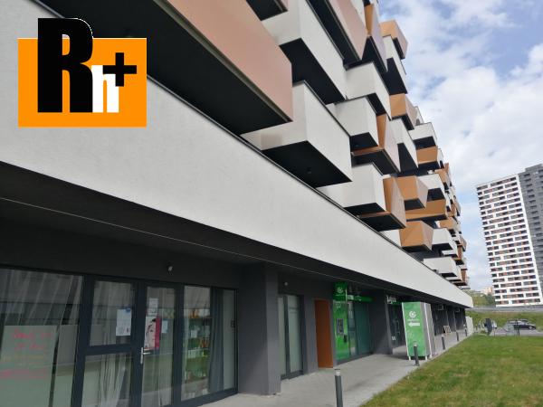 Foto Na predaj obchodné priestory Bratislava-Petržalka Muchovo námestie - TOP ponuka