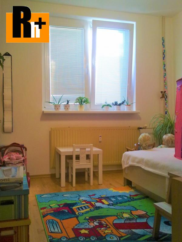 Foto Na predaj 3 izbový byt Trenčín Juh Mateja Bela - čiastočne prerobený