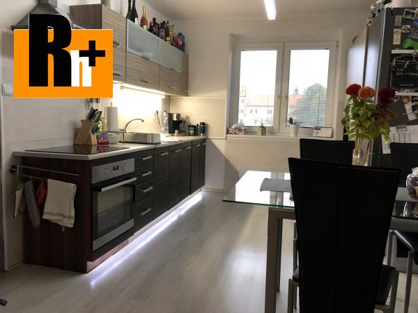 Foto 2 izbový byt na predaj Komárno kompletne zrekonštruovaný tehlový s balkónom - rezervované