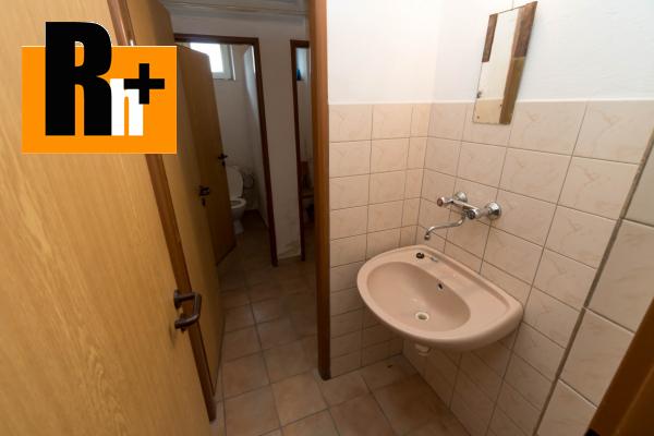 13. obrázok Na predaj Bytča 1567m2 administratívna budova