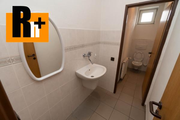 31. obrázok Na predaj Bytča 1567m2 administratívna budova