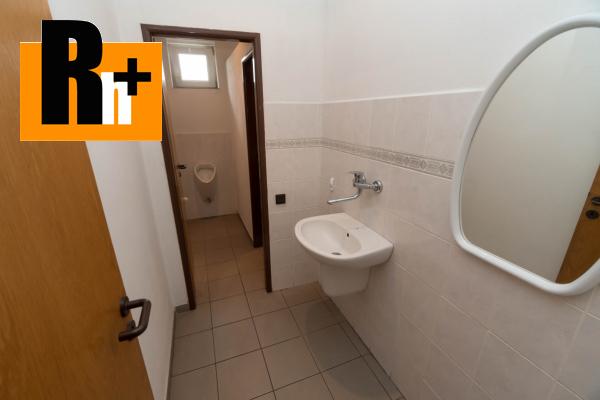 32. obrázok Na predaj Bytča 1567m2 administratívna budova