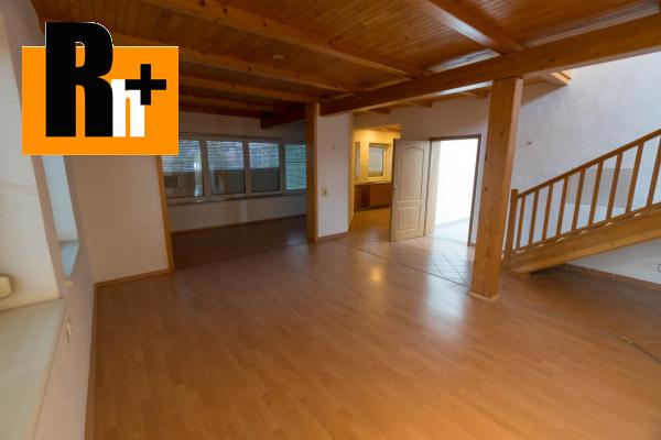 44. obrázok Na predaj Bytča 1567m2 administratívna budova