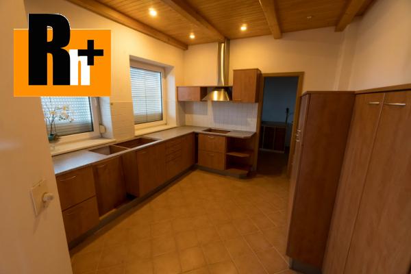 45. obrázok Na predaj Bytča 1567m2 administratívna budova