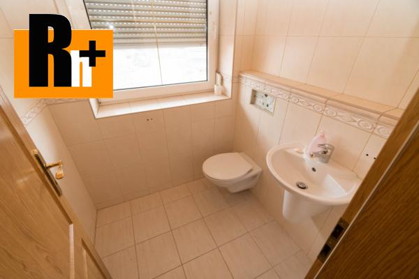 47. obrázok Na predaj Bytča 1567m2 administratívna budova