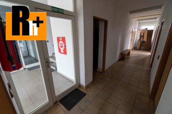 9. obrázok Na predaj Bytča 1567m2 administratívna budova