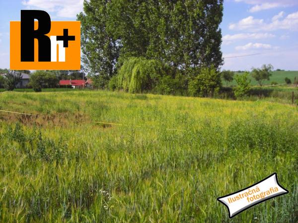 Foto Šenkvice tichá lokalita pozemok pre bývanie na predaj - TOP ponuka