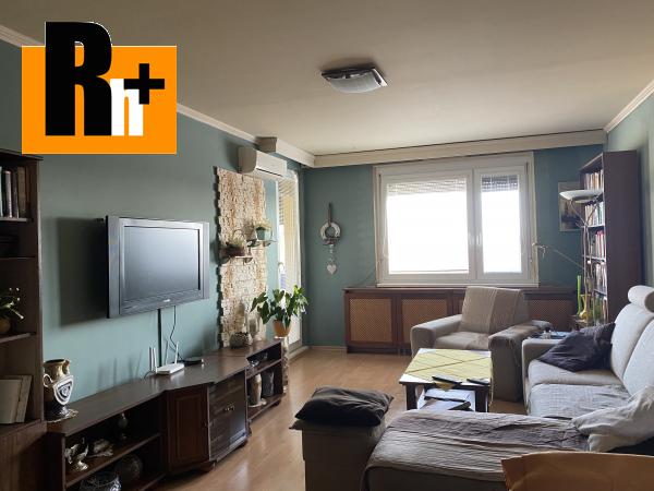 Foto 3 izbový byt Komárno Hviezdoslavova ulica na predaj - čiastočne prerobený