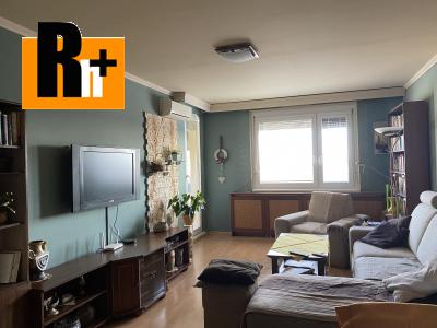 3 izbový byt Komárno Hviezdoslavova ulica na predaj - čiastočne prerobený
