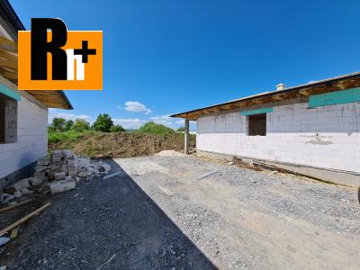 Na predaj rodinný dom Teplička nad Váhom 600m2 NA KĽÚČ - vo výstavbe 1