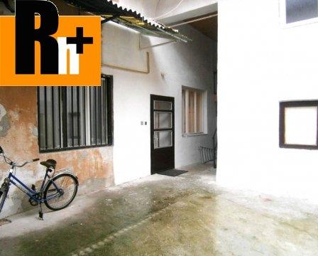 22. obrázok Hlohovec Námestie sv. Michala rodinný dom na predaj - TOP ponuka